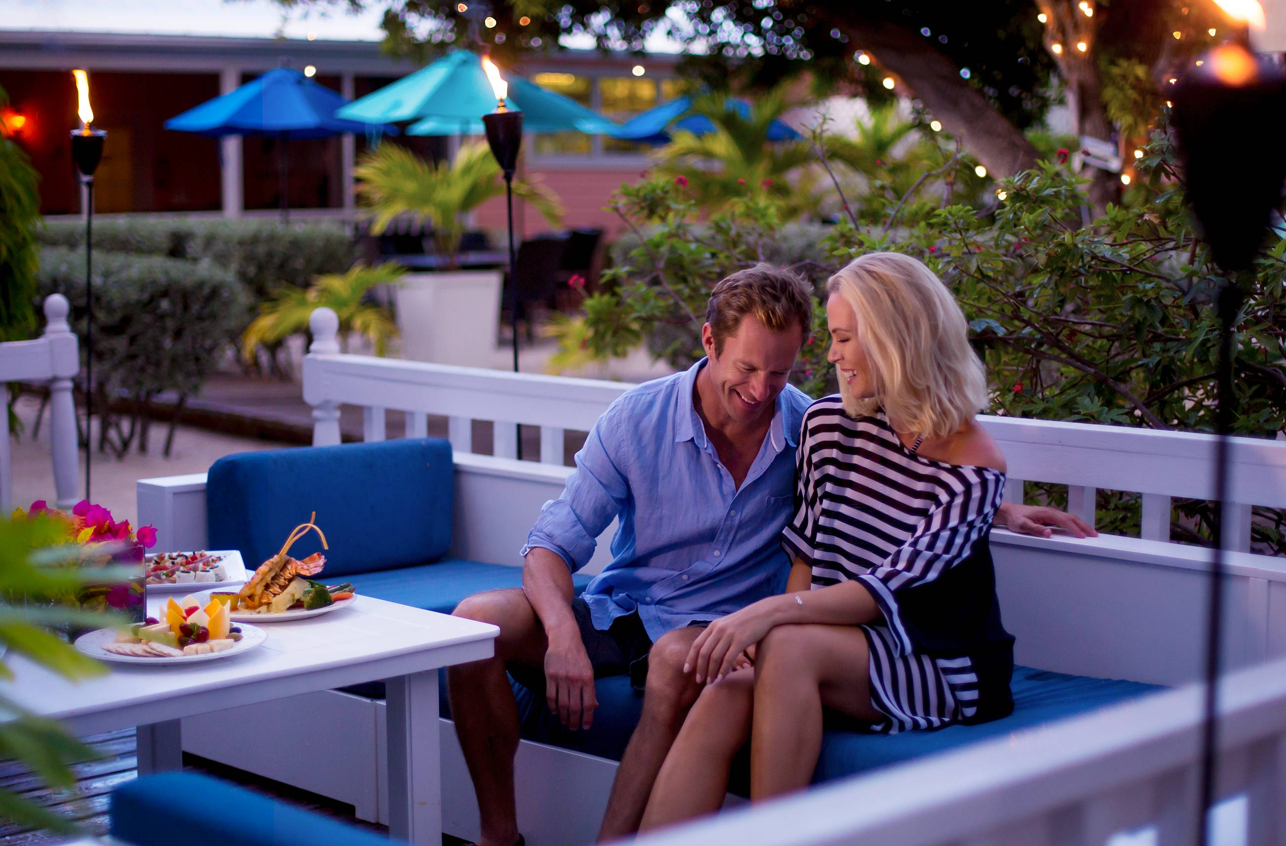 Little_Cayman_Lounge_1