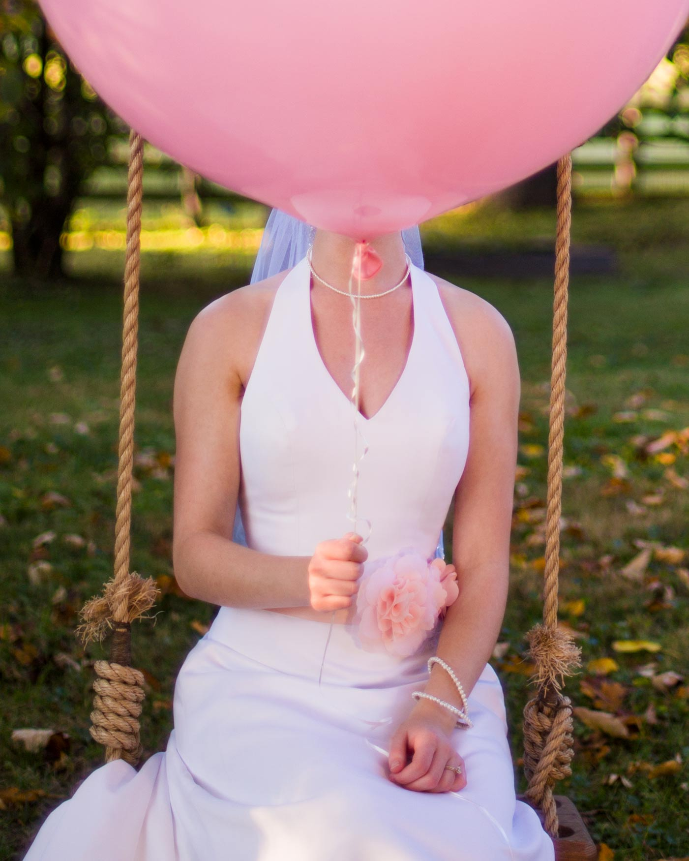 Balloon_Bride_Swing